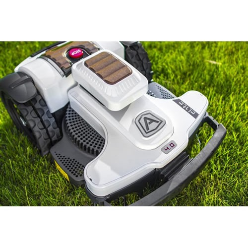 Ambrogio 4.0 ELITE – Super inteligent, super flexibil 3500mp 6 ANI GARANTIE
