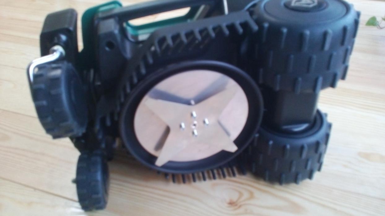 Cutit 15 cm lama stelata pentru Roboti Ambrogio L15 Bent Blade
